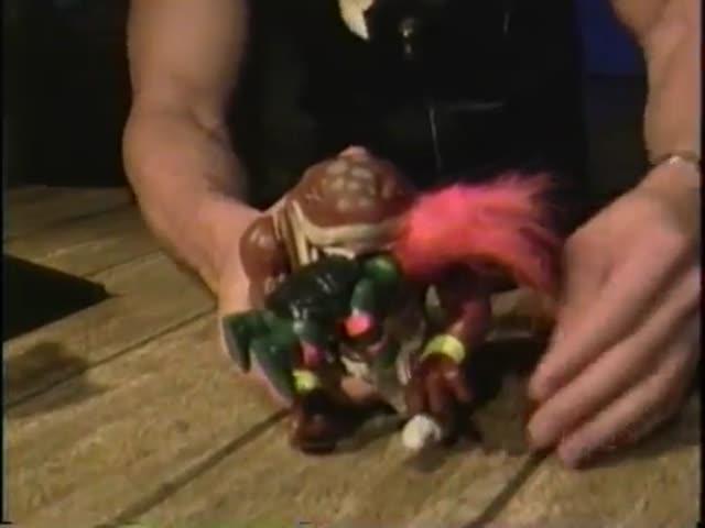 Вин Дизель работает продавцом игрушек в 1994 году (4.847 MB)