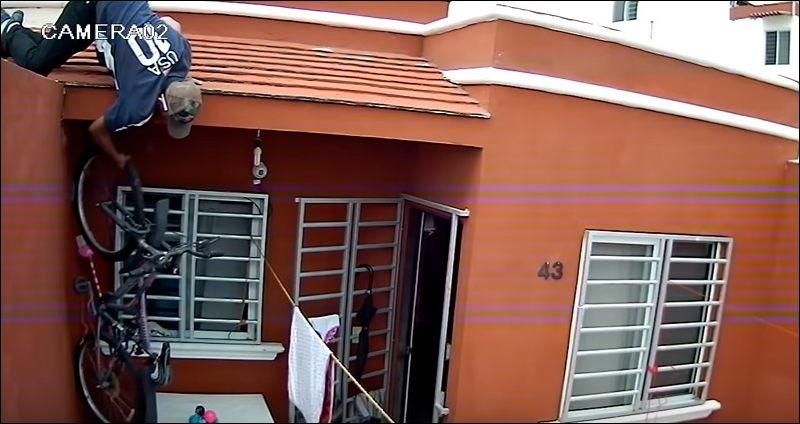 Вор украл велосипед с балкона