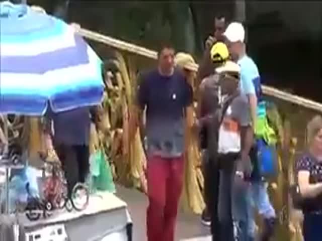 Как отжимают телефоны в Бразилии