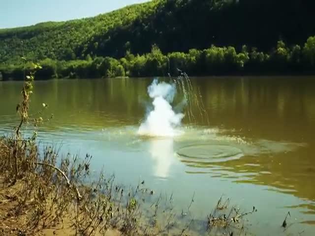 Что будет, если кинуть натрий в воду (2.450 MB)
