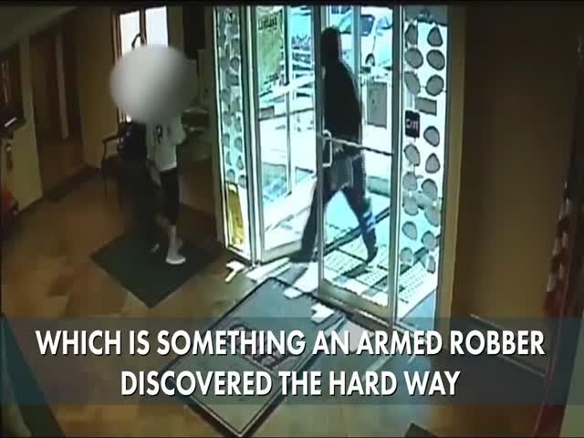 В США 63-летний пенсионер помешал ограблению банка