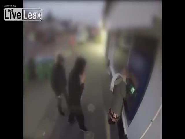 Муж женщины появился неожиданно для грабителей