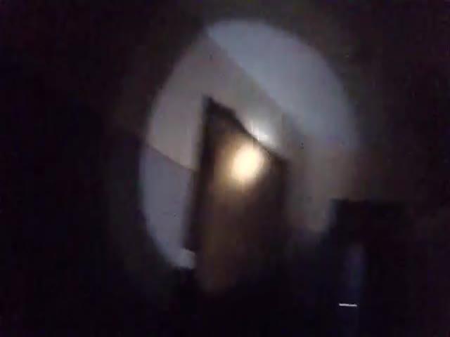 Вор залез в квартиру и сказал прибывшей полиции, что он ее хозяин