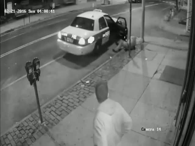 Не самая удачная попытка сбежать из такси не заплатив