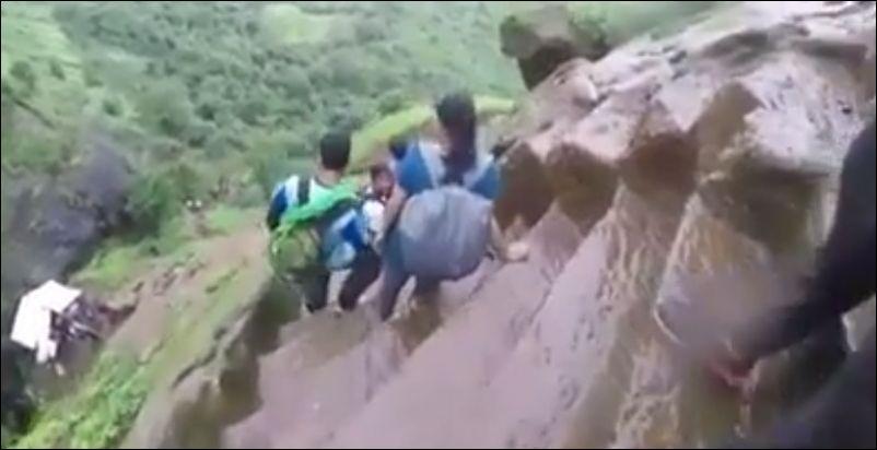 Опасная тропинка в древнем индейском форте Калавантин