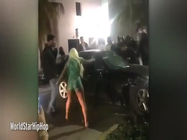 В Майами свидетели аварии наказывают пьяного водителя