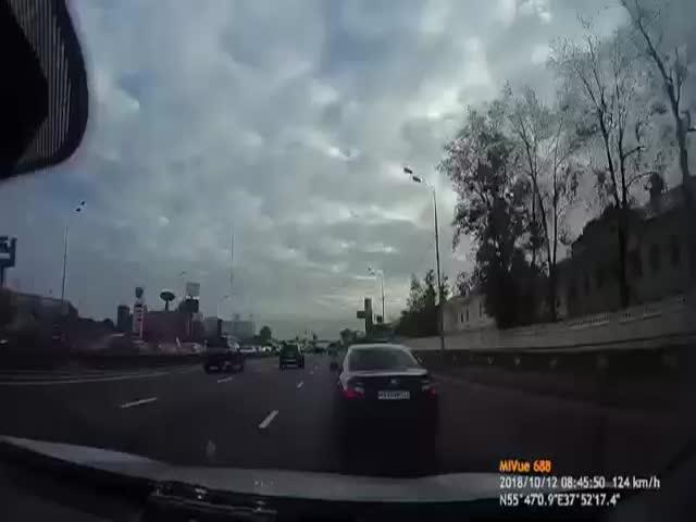 Опасные перестроения на дороге вряд ли могли иметь удачный конец