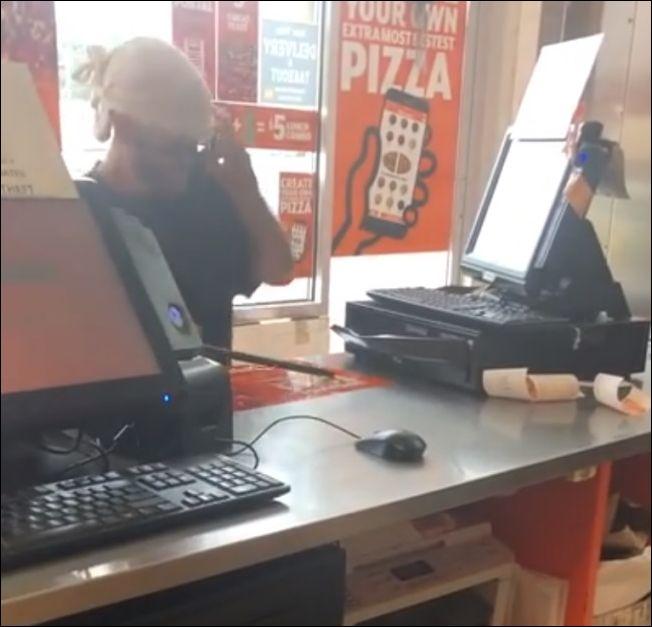 В Нью-Джерси парень вскрыл кассу пиццерии посреди дня