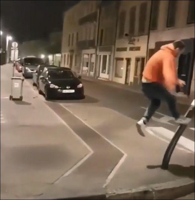 Мгновенная карма для уличного вандала