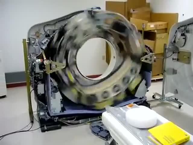Как выглядит компьютерный томограф без защитного кожуха