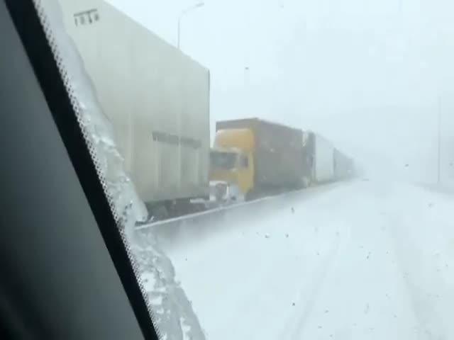 Хаос в Ростове-на-Дону после первого снега