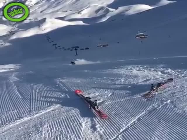 Не самая удачная попытка продемонстрировать мастерство катания на лыжах