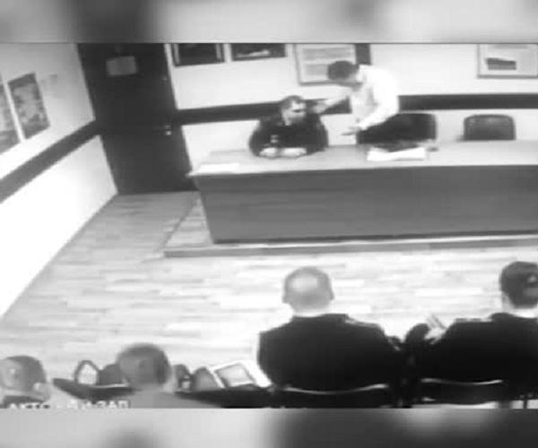 В Москве сотрудники полиции выясняют отношения прямо во время совещания