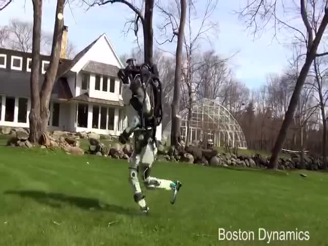 Как передвигаются последние версии роботов от Boston Dynamics