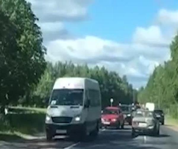 В Санкт-Петербурге пьяная женщина устроила ДТП и попыталась скрыться