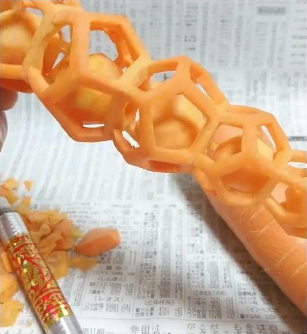 Что можно вырезать из обычной морковки