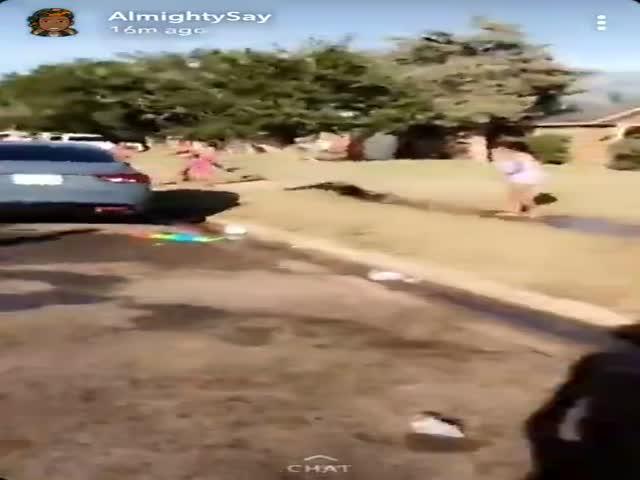 В США женщина-полицейский приехала по вызову о шуме и была облита водой