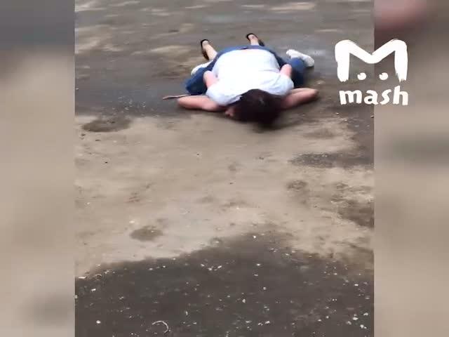В Кирове женщина задержала грабителя, который хотел отнять у нее сумку