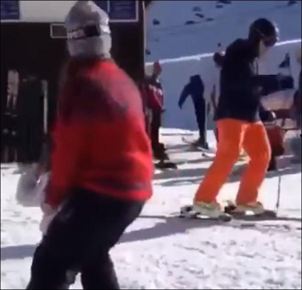 Лыжник повторил свой трюк намного эффектней, чем в первый раз