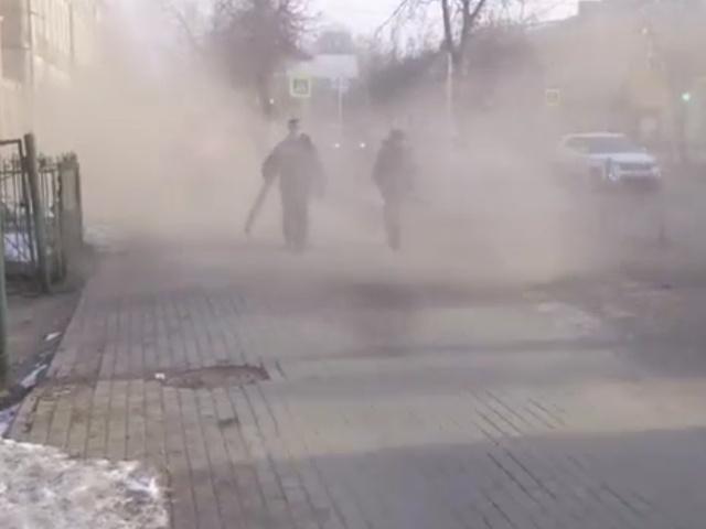 В Гатчине сотрудники коммунальных служб устроили настоящую песчаную бурю