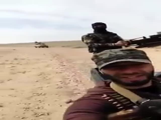 В Сирии боец решил поснимать себя на видео, когда в кадр попал взрыв