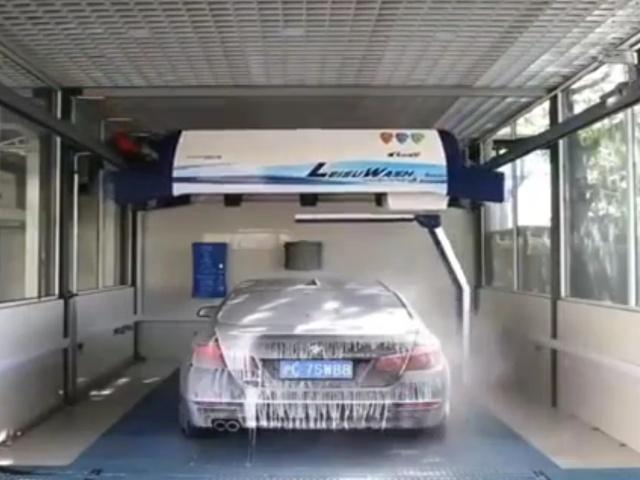 Как выглядит современная автоматическая мойка автомобилей