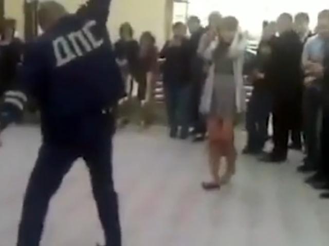 В Кабардино-Балкарии сотрудник ДПС устроил танцы со стрельбой на свадьбе