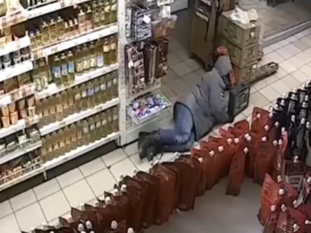 В Калининграде вор оригинальным способом пытался украсть содержимое банкомата
