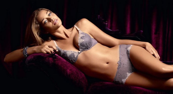 Ana Beatriz Barros (12 фото)