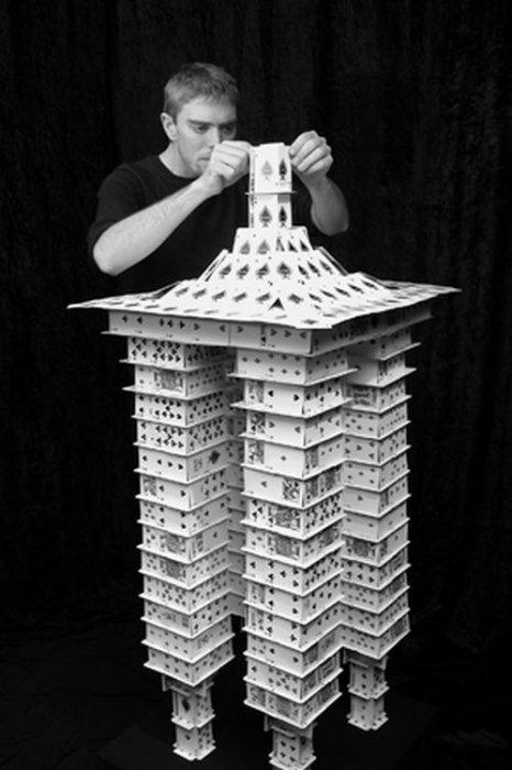 Карточный домик как построить фото