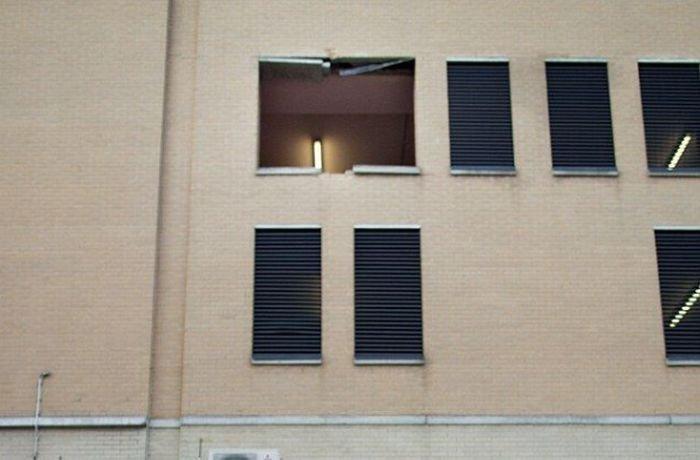 Падение с третьего этажа (4 фото)