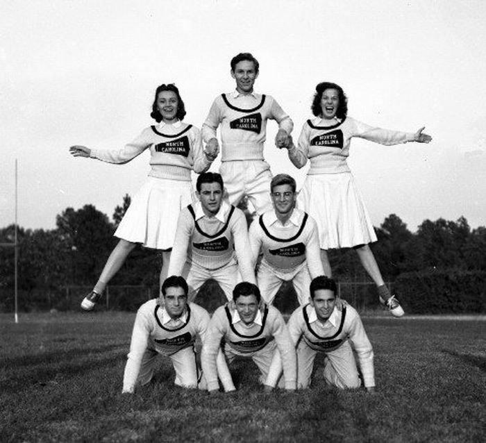 Как менялись команды поддержки с 1920 года (29 фото)