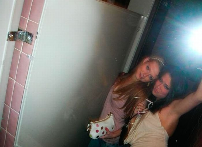 Пьяные девушки в ванной (89 фото)
