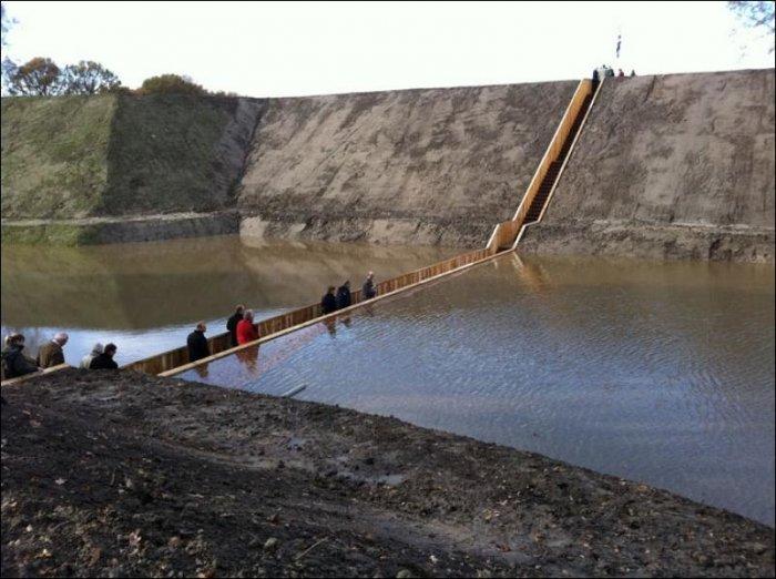 Подводный мост (5 фото)