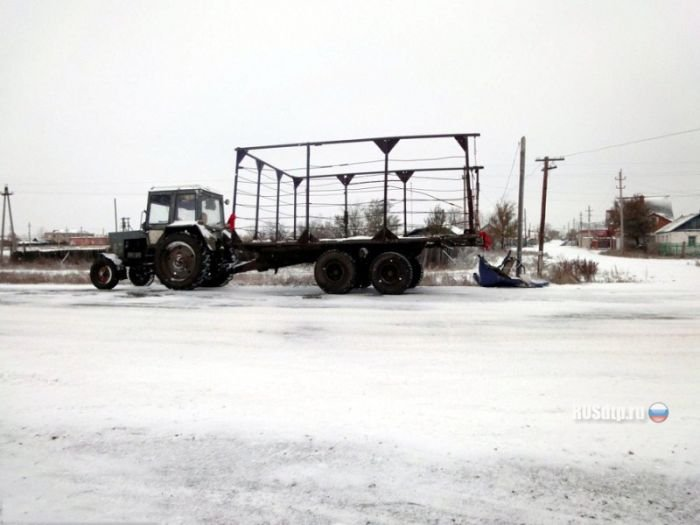 ВАЗ против трактора (5 фото)