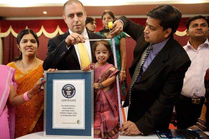 Самая маленькая женщина в мире (5 фото)