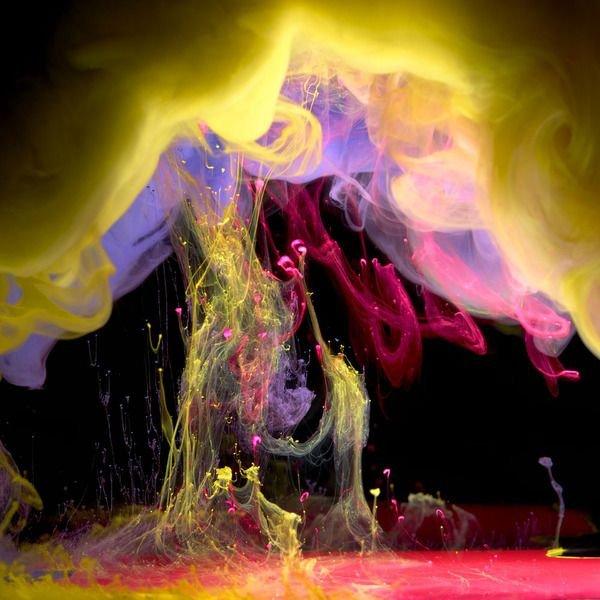 Краски в воде (14 фото)