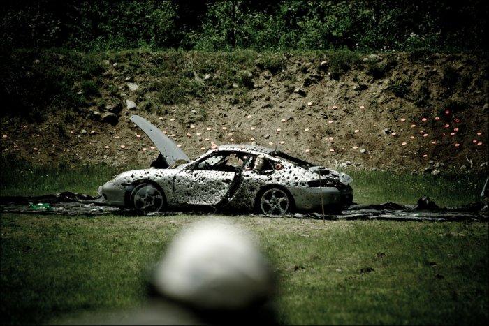 Казнь автомобиля (12 фото)