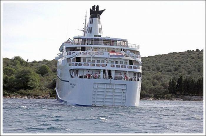 Корабль на мели (20 фото)