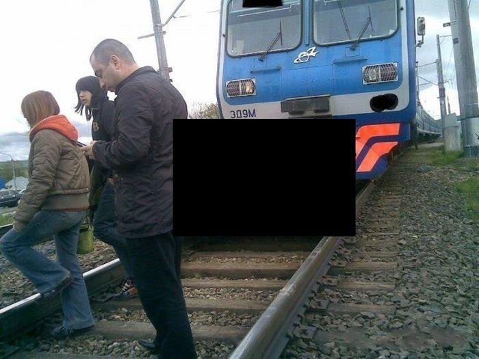 Странная авария (4 фото)