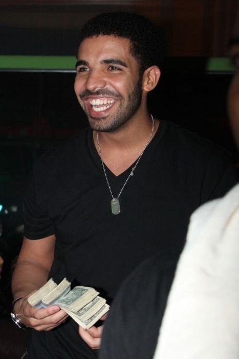 Реперы сорят деньгами (20 фото)