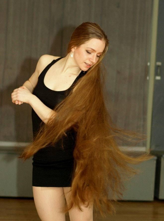Голые толстые голые девушки с длинными волосами фото владивосток
