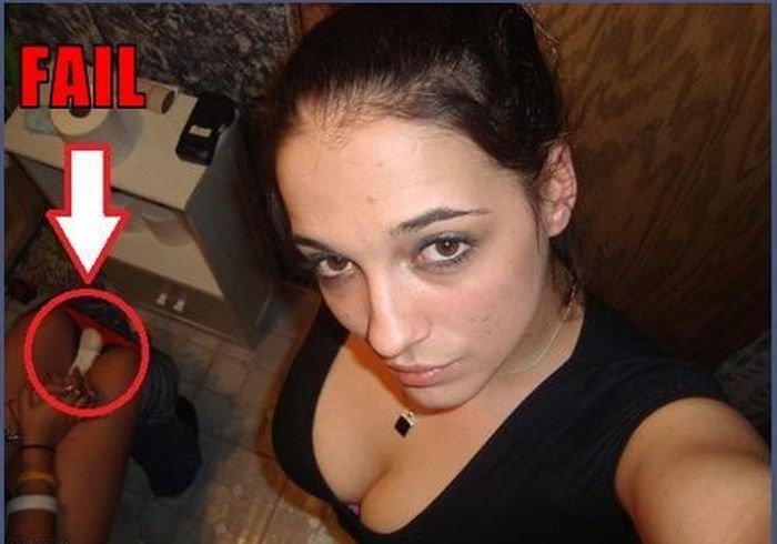 Неудачные фотографии девушек (13 фото)