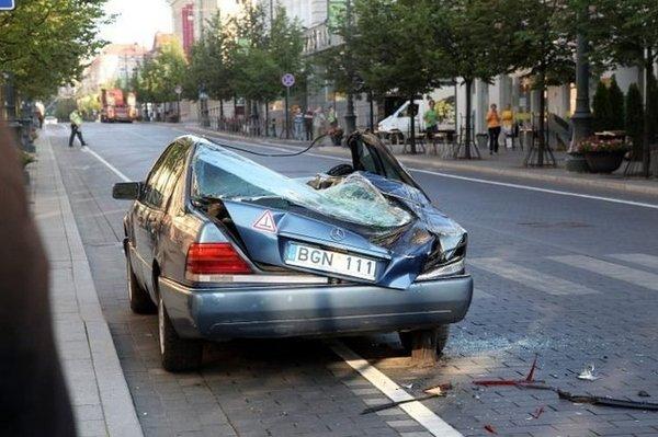 Борьба с незаконной парковкой в Вильнюсе (3 фото)