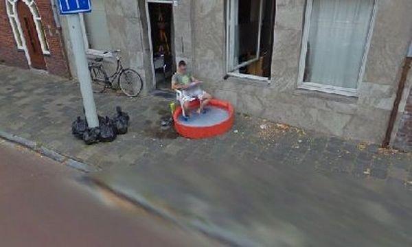 Странные кадры Google Street View (40 фото)