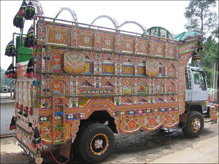 Автобусы и грузовики в Пакистане (23 фото)