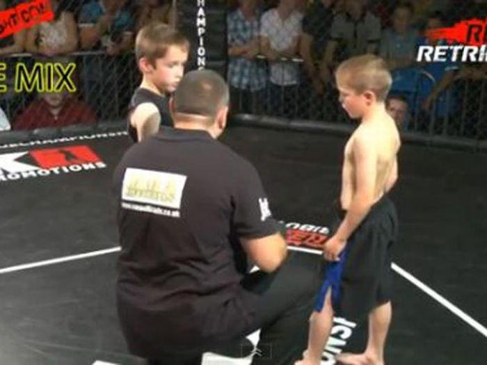 Бои без правил среди детей (12 фото)