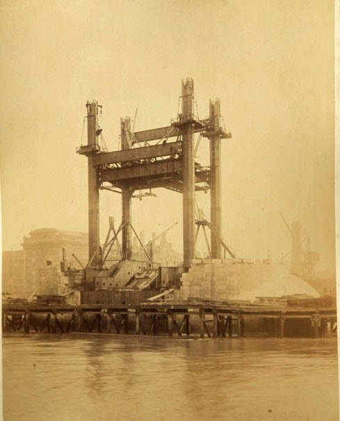 Строительство Тауэрского моста в Лондоне (16 фото)