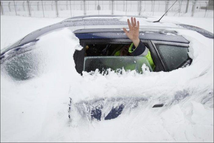 Снежная буря в Румынии (9 фото)