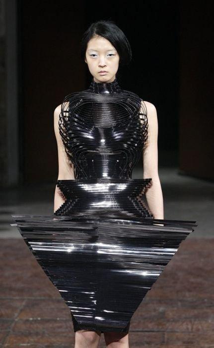 Наряды на неделе моды в Париже (50 фото)